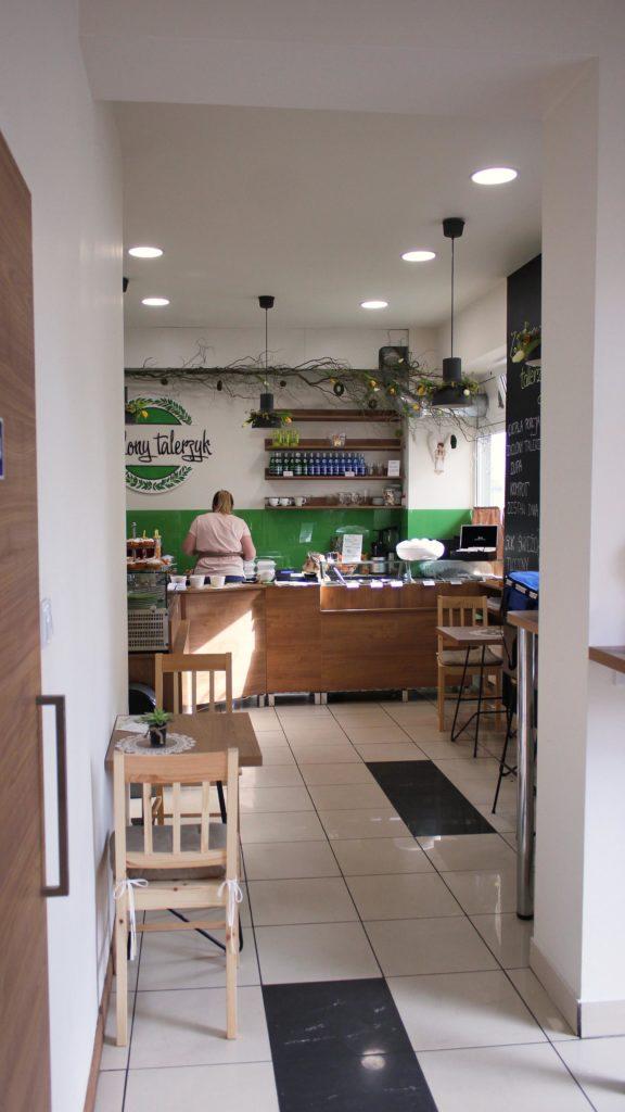 zielony talerzyk wnętrze